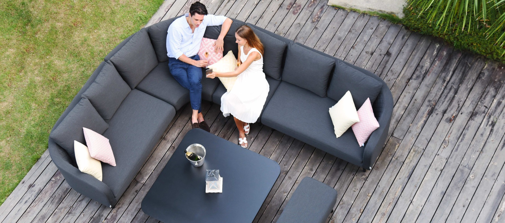 Maze Lounge - Outdoor Fabric Ambition Corner Group - With Rising Table - Charcoal