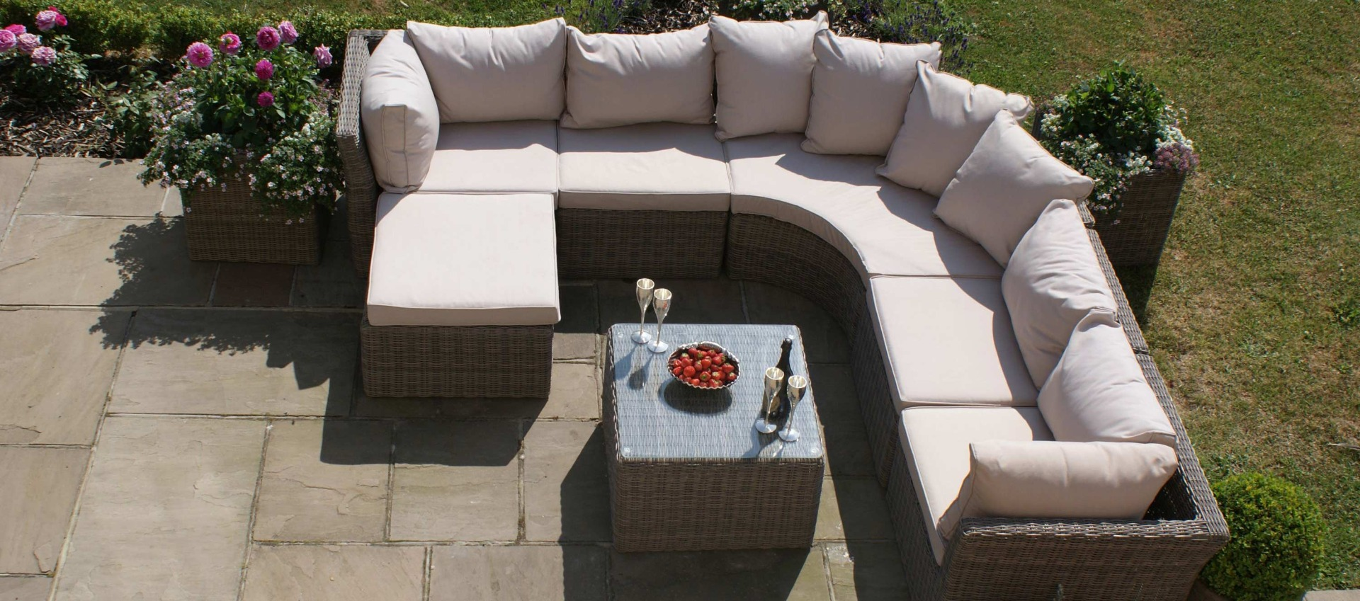 Maze Rattan - Winchester Rounded Corner Group