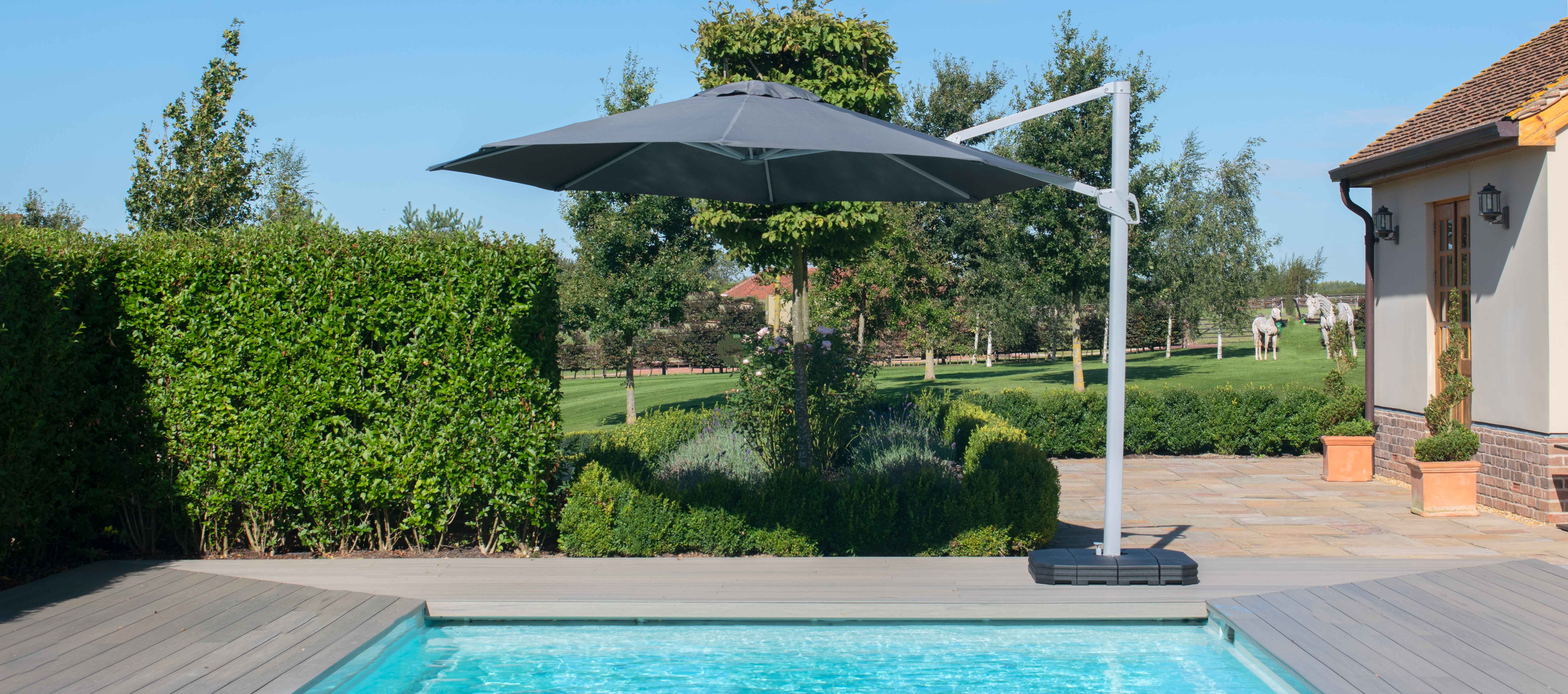 Maze Rattan - Zeus 3.5m Round Rotating Cantilever Parasol With LED Lights - Grey